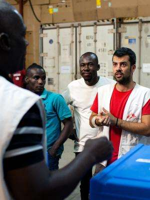 MSF measles vaccination team in Conakry