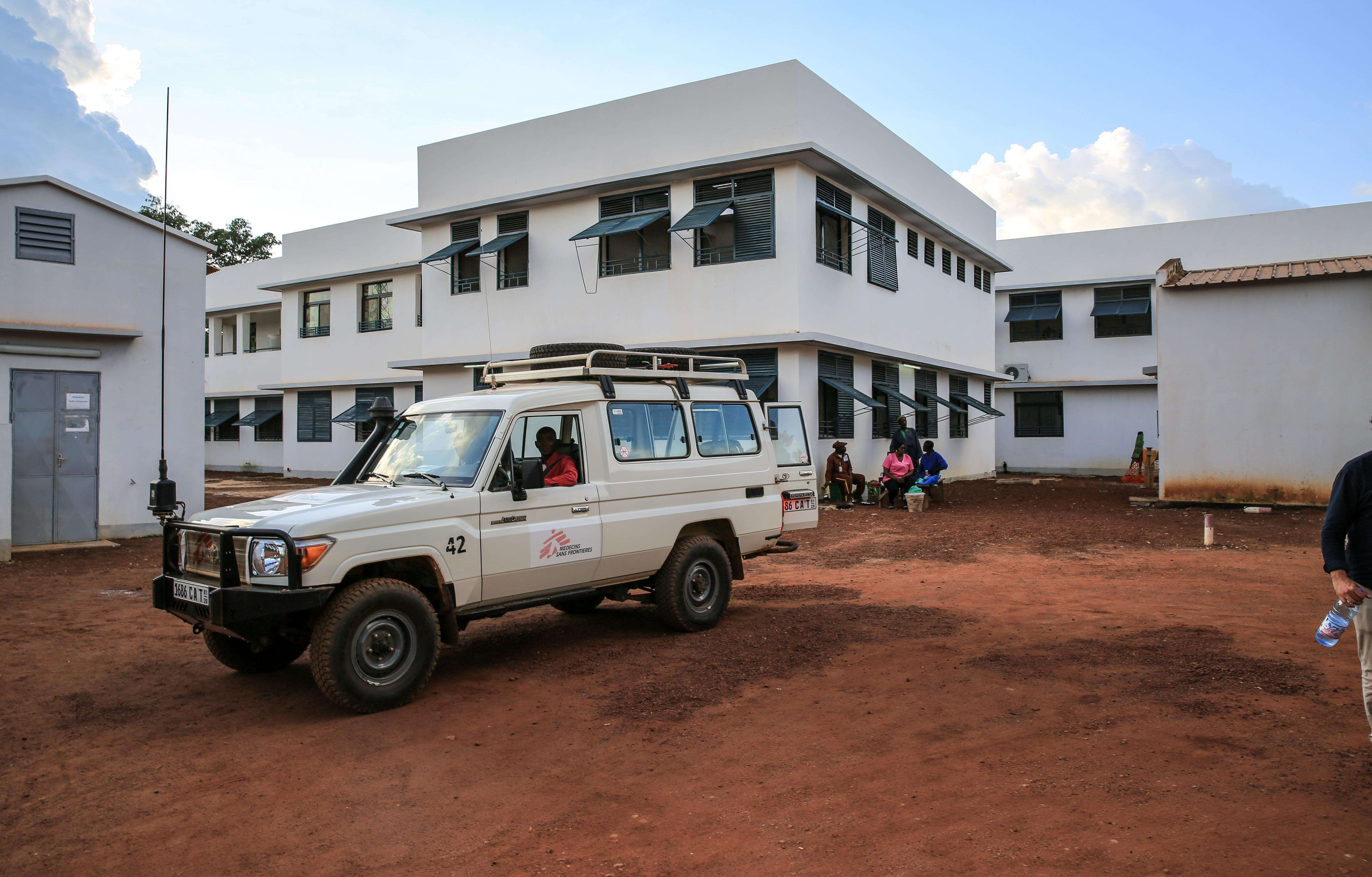 An MSF vehicle waits outside the newly constructed pediatric department.