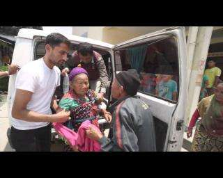 Evacuating patients after Nepal earthquake